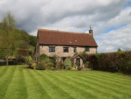 The Manor (sleeps 8)