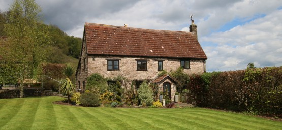 The Manor House (sleeps 8)
