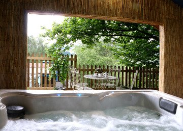 Woodland hot tub ...
